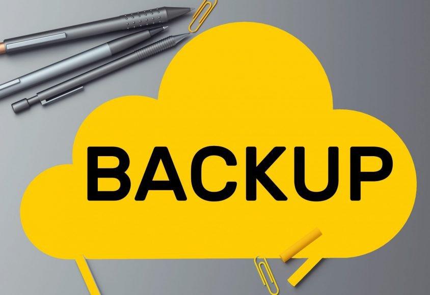 Grafika symbolizuje backup danych
