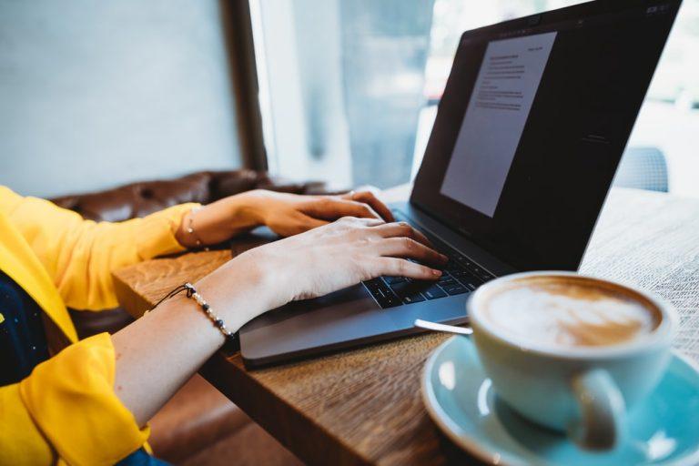 freelancing z laptopem