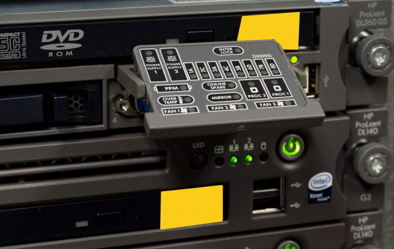 Data center - panel diagnostyczny w serwerze